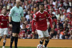 «Манчестер Юнайтед-Криштиану-Роналду-забивает-свой-первый-гол-против-Ньюкасла-в-матче-четвертого-круга-английской-Премьер-лиги.