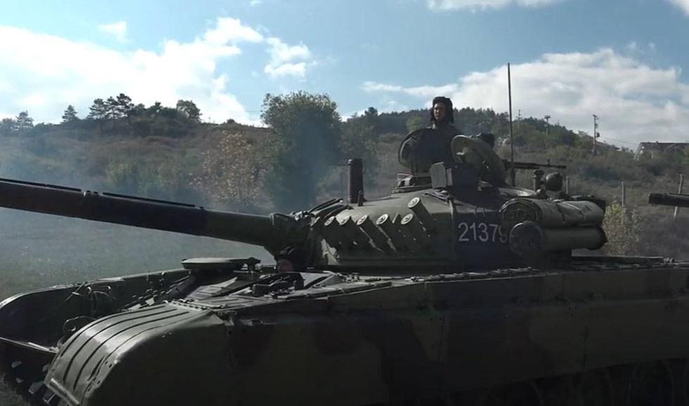 Sirplar-Kosovasinirina-yiginak-yapiyor
