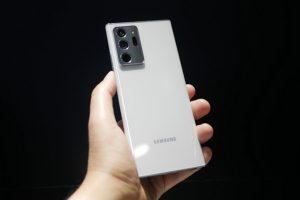 Samsung не выпустила новый смартфон с большим экраном и стилусом, как обычно в линейке Galaxy Note, - вместо этого они выпустили гибкие и дорогие Galaxy Z Fold 3 и Z Flip 3.